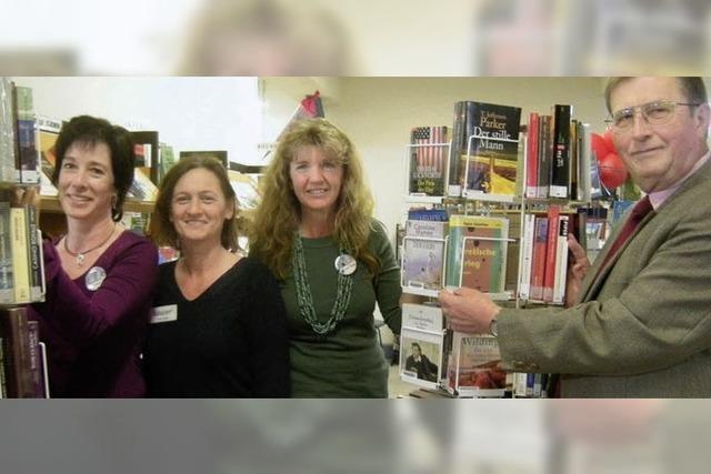 Bücherei in Frauenhand