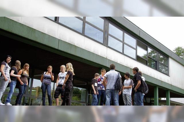 Blick hinter die Wehrer Schulmauern