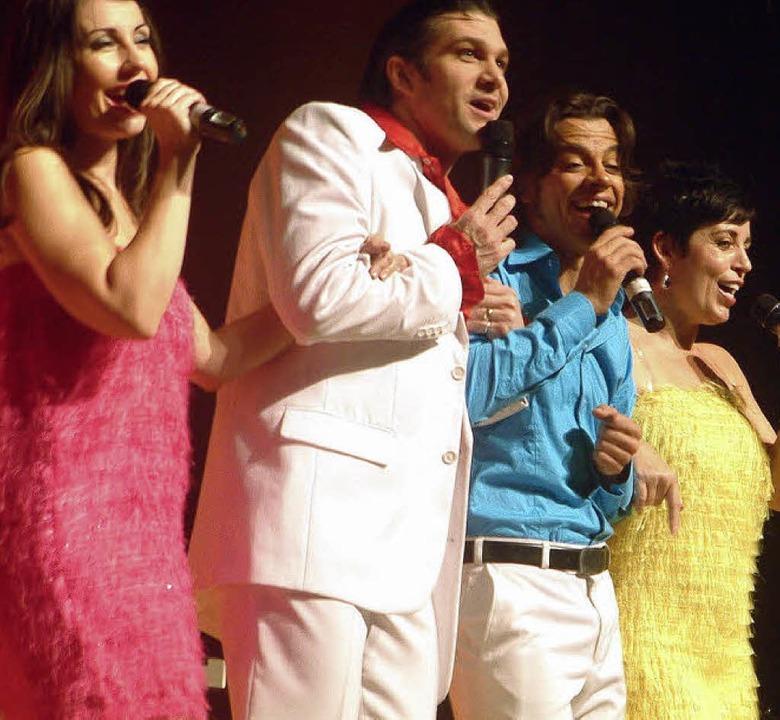 Mit populären Songs und Medleys aus ve...das Publikum in der Wehrer Stadthalle.  | Foto: roswitha frey