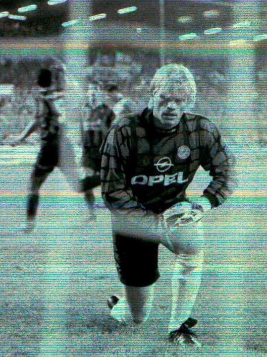 Cardoso trifft per Elfer beim 5:1  im ...Kahn muss den Ball aus dem Netz holen.    Foto: ms chön