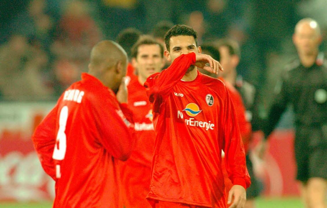 Bedient: Im Dezember 2003 straften die Bayern den SC zu Hause mit 6:0 ab.    Foto: Pressefoto Michael Heuberger