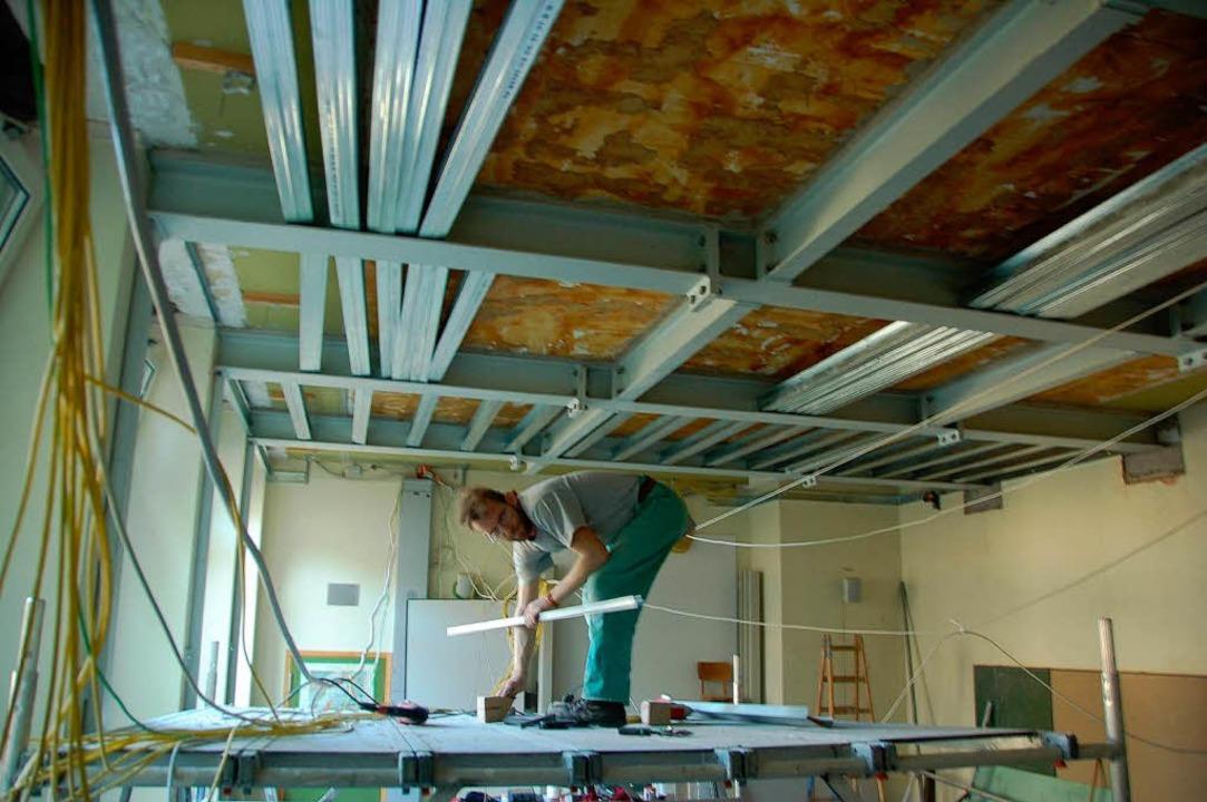 Der Erdkundesaal im Erdgeschoss bekomm...e neue Stahlkonstruktion an der Decke.  | Foto: Victoria Kampfmann