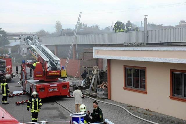 Brand in Neuenburger Kachelofenbaufirma