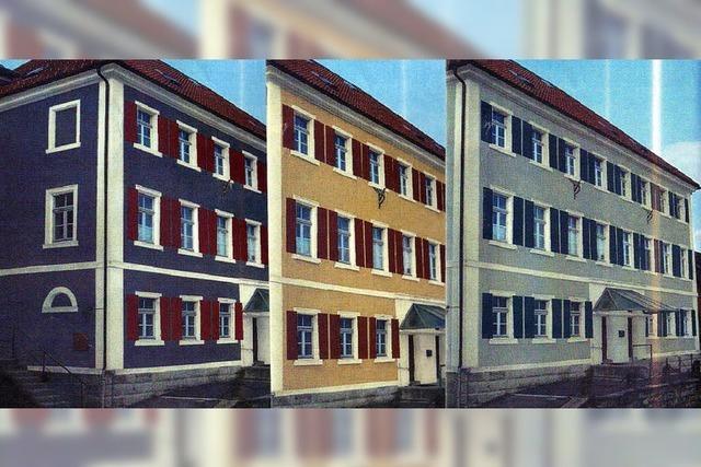 Farbe für altes Schulhaus