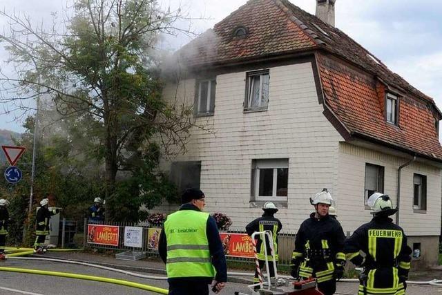 Verletzter bei Wohnungsbrand