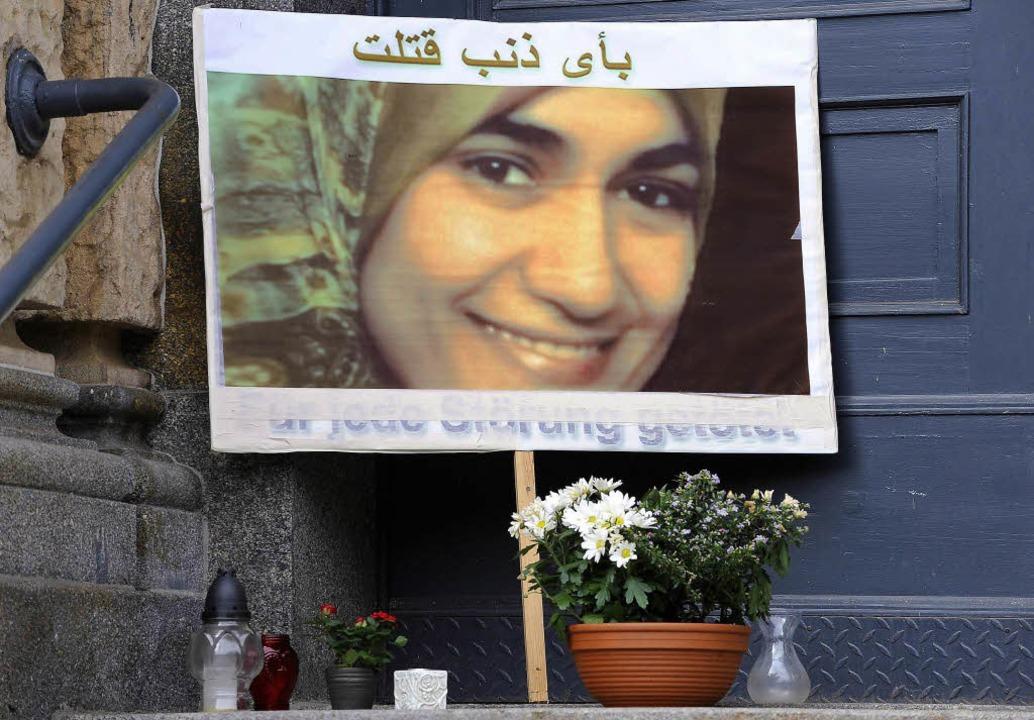 Gedenktafel: Mordopfer  El-Sherbini    Foto: DDP