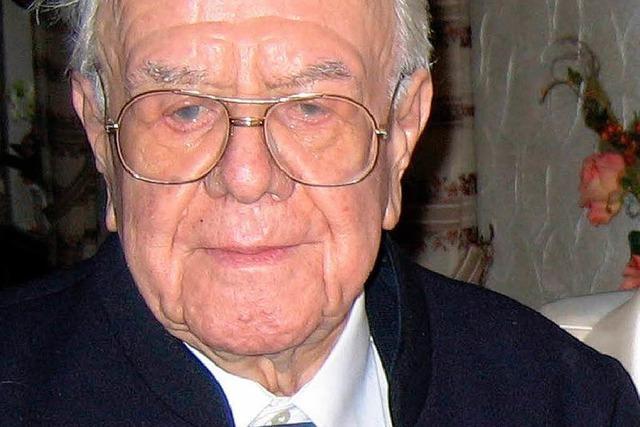 Bienenpapst und Ehrenbürger Karl Pfefferle ist tot