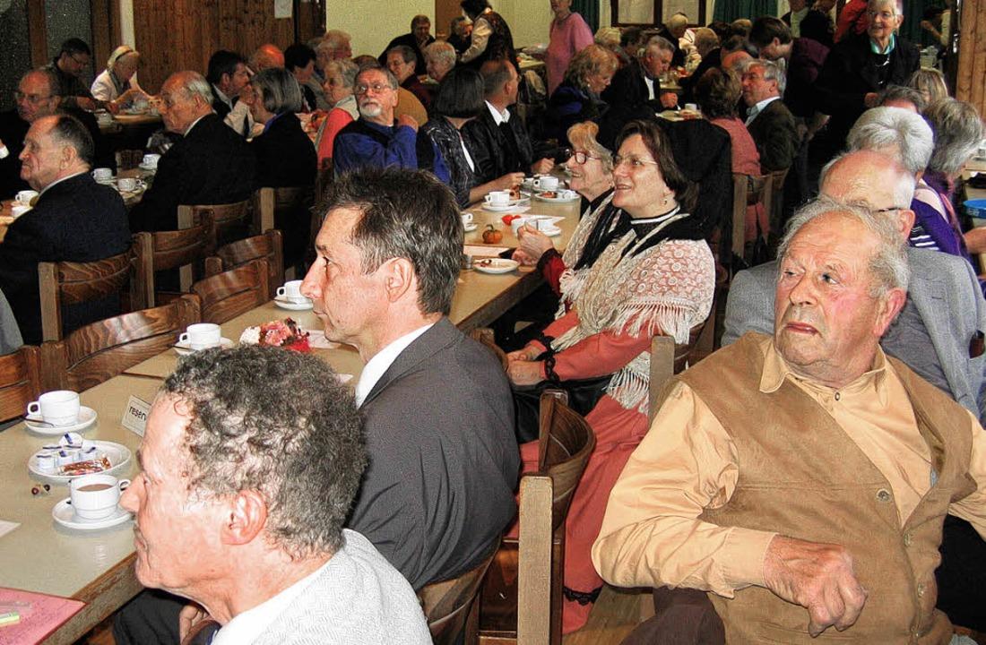 Pflegten das Erbe des Dichters: Besucher des Hebelschoppens.   | Foto: Inbo