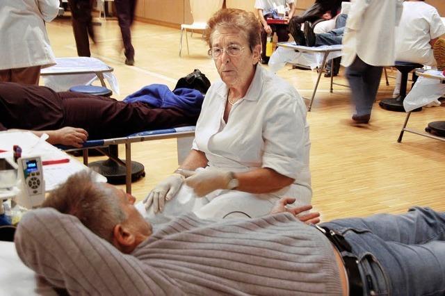 Begleitschutz für treue Blutspender