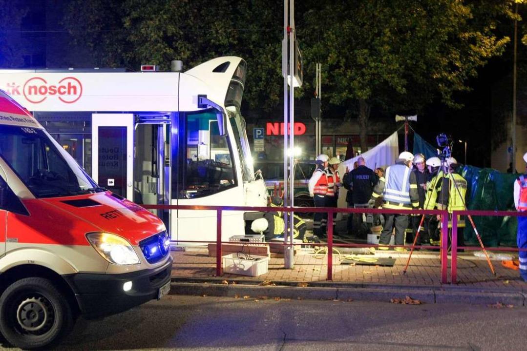 Eine 16-Jährige stirbt bei einem Straßenbahnunfall am Betzenhauser Torplatz.    Foto: Dominic Rock