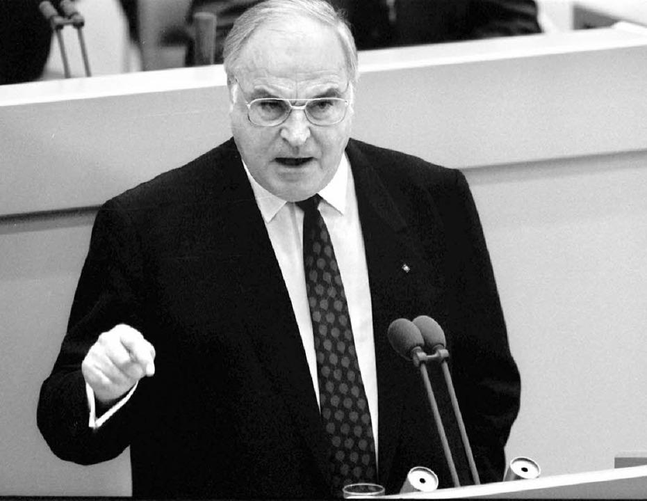 Sieht Bonn in der Pflicht:  Kanzler Kohl  1989  | Foto: dpa