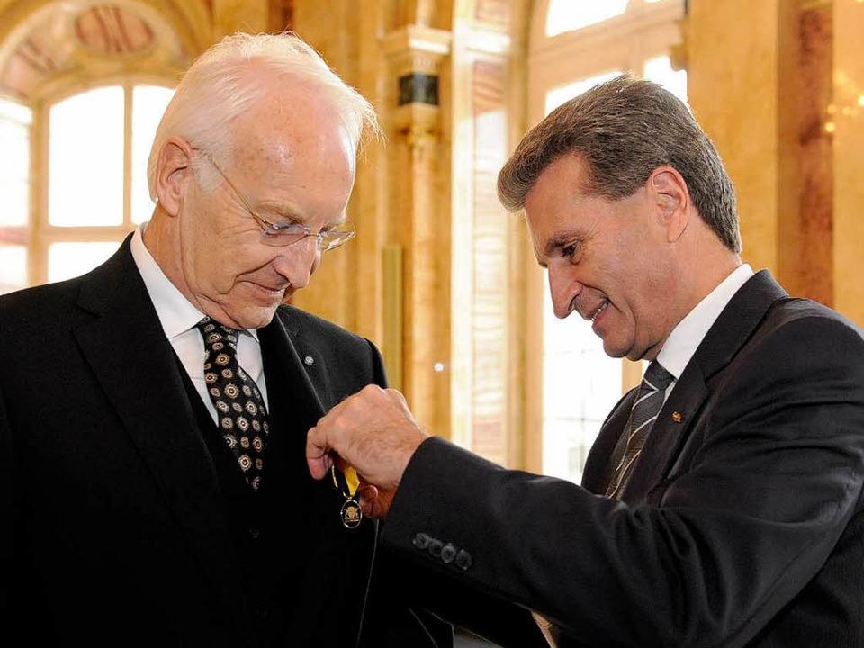Edmund Stoiber und Günther Oettinger.  | Foto: dpa