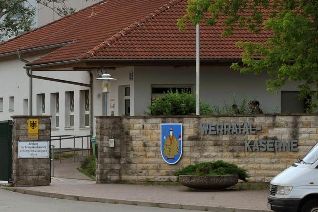 Bundeswehrangehöriger fährt in Menschenmenge – 13 Verletzte