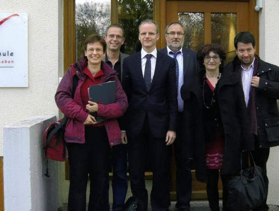 Torsten Geißler, Referatsleiter beim B...zept der Flex-Fernschule informieren.   | Foto: privat