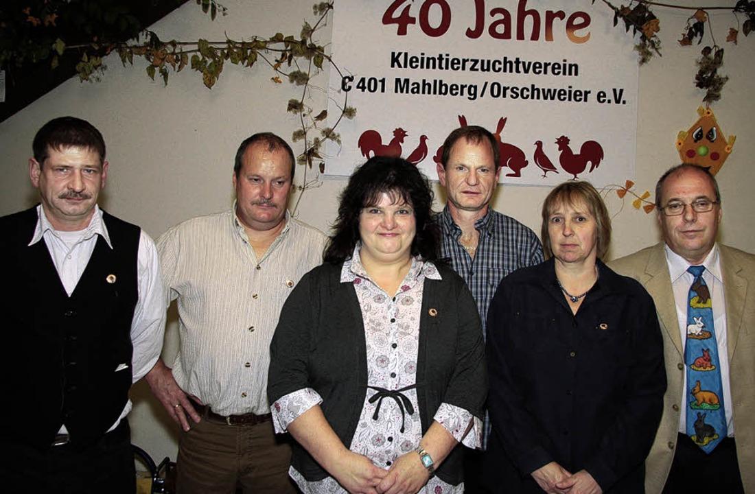 Für verdiente Mitglieder  des Kleintie...es am Wochenende goldene Ehrennadeln.     Foto: Sandra Decoux-Kone