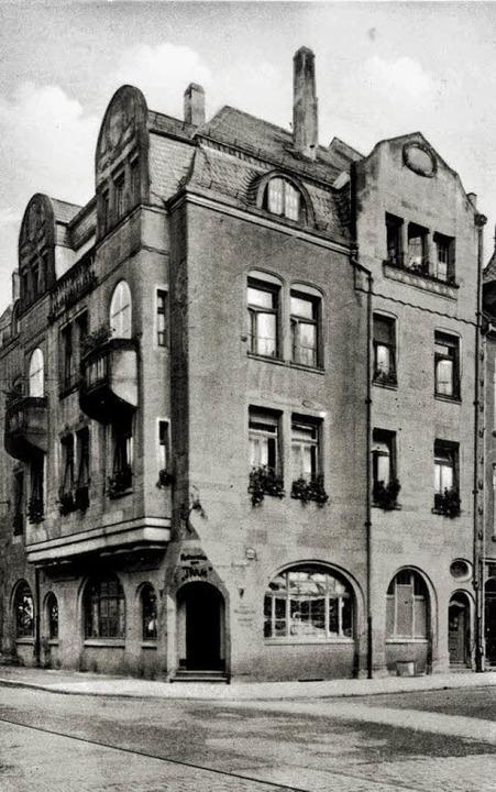 Das historische Foto aus den 1930er Ja...det die Kirchstraße 70 ein Doppelhaus.  | Foto: Archiv Manfred Gallo/ Ingo Schneider