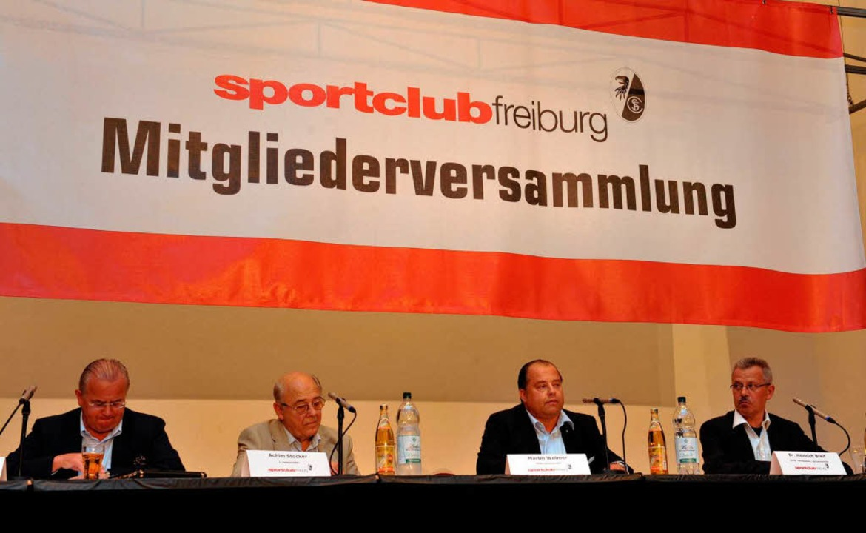 Der SC-Vorstand bei der jüngsten Mitgl...ker, Martin Weimer und Heinrich Breit   | Foto: patrick seeger