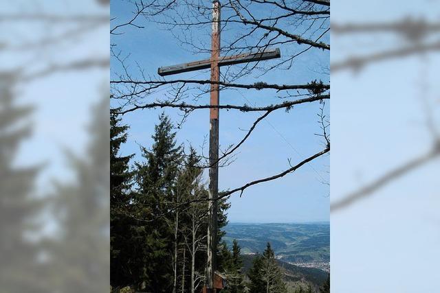 Das Kreuz auf dem Berg ist für viele Wanderer ein Lieblingsziel