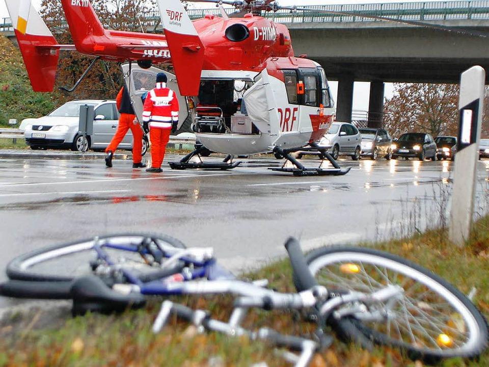 Ein Rettungshubschrauer flog den schwe...Jungen in die Uniklinik nach Freiburg.  | Foto: Heidi Foessel