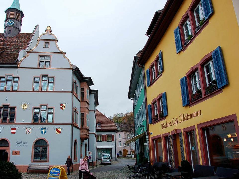 In einem Nachbargebäude zum Rathaus (r...tbauamt sein Zwischenquartier bezogen.  | Foto: Markus Donner