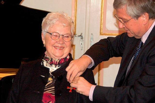 Ruth Worzalla erhält Bundesverdienstkreuz