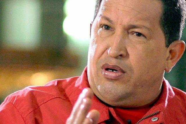 Chávez droht seinem Erzfeind Uribe