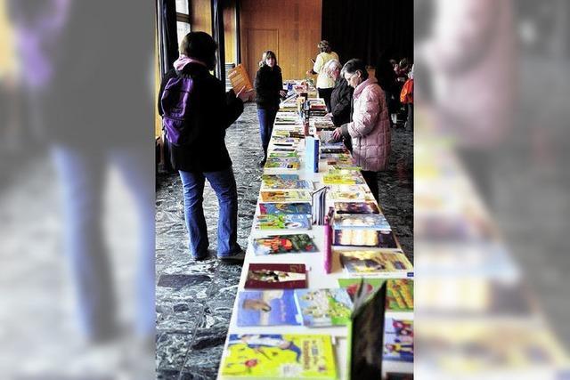 Buchverkauf hilft Bücherei
