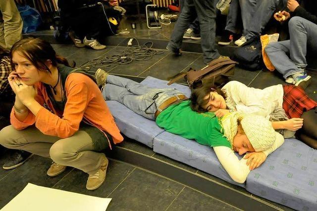 Studenten stellen sich auf längere Besetzung ein