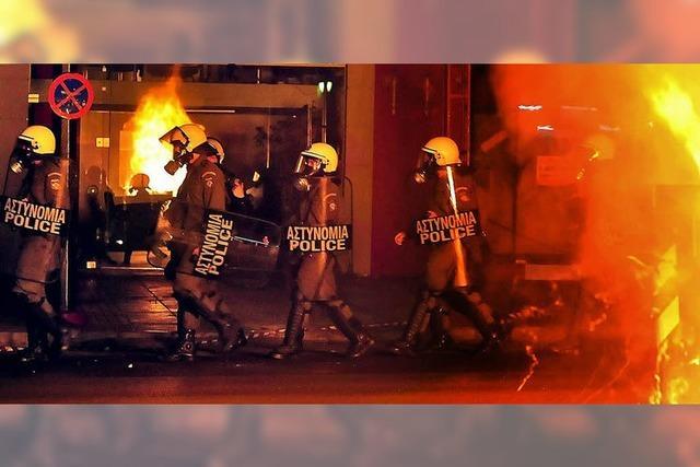 Brennende Barrikaden in Athen