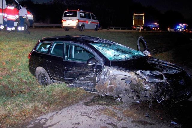 Kleinlaster verursacht Unfall – Fahrerflucht