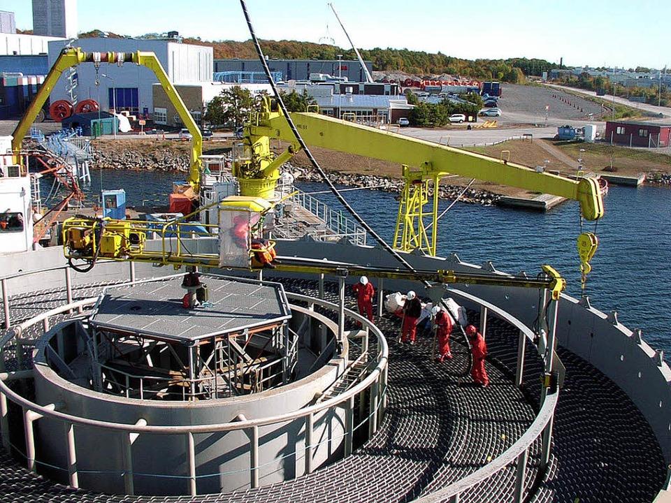 Die Seekabel für die Hochspannungsglei...iese auf das Schiff ver-laden werden.   | Foto: ABB AG