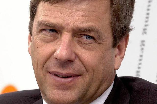 Claus Kleber spricht im besetzten Audimax