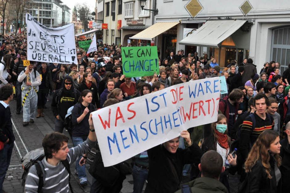Bilder von der neuerlichen Studenten- und Bildungsdemo in Freiburg. (Foto: Michael Bamberger)