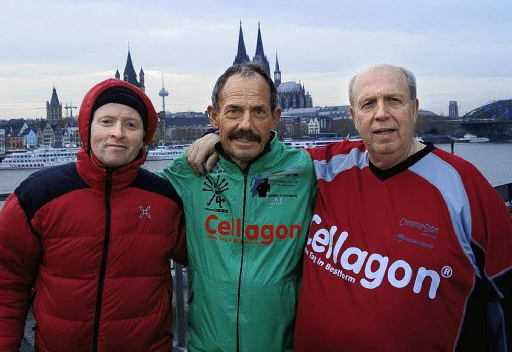 Glücklich nach erfolgreichem Non-Stop-...lmund, im Hintergrund der Kölner Dom.   | Foto: Privat