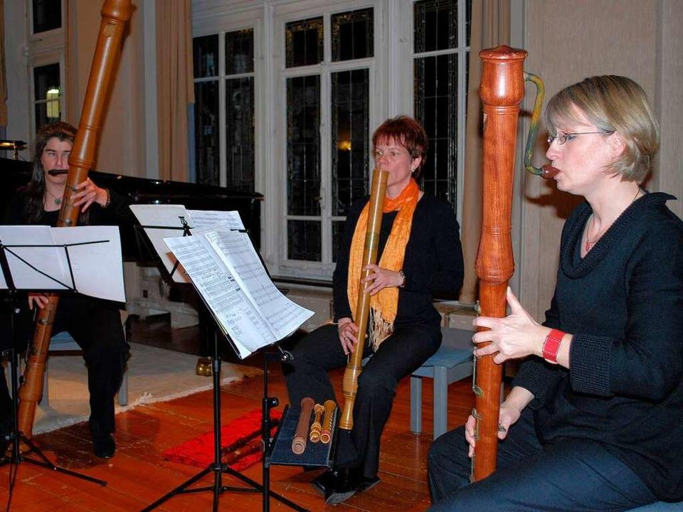Andrea Meininger, Sandra Nowakowski-Sc...ppermann entführten in die Renaissance  | Foto: Sylvia-Karina Jahn