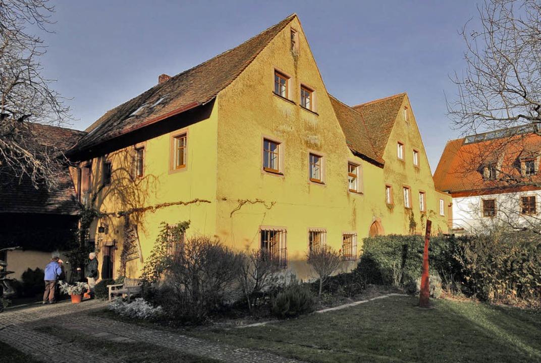 Die beiden Hälften des einstigen Schlo...en heute von Privatpersonen bewohnt.    | Foto: Ingo Schneider
