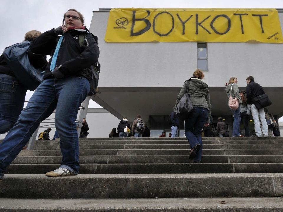 Schon im Februar hatten PH-Studenten das Rektorat besetzt.  | Foto: Ingo Schneider