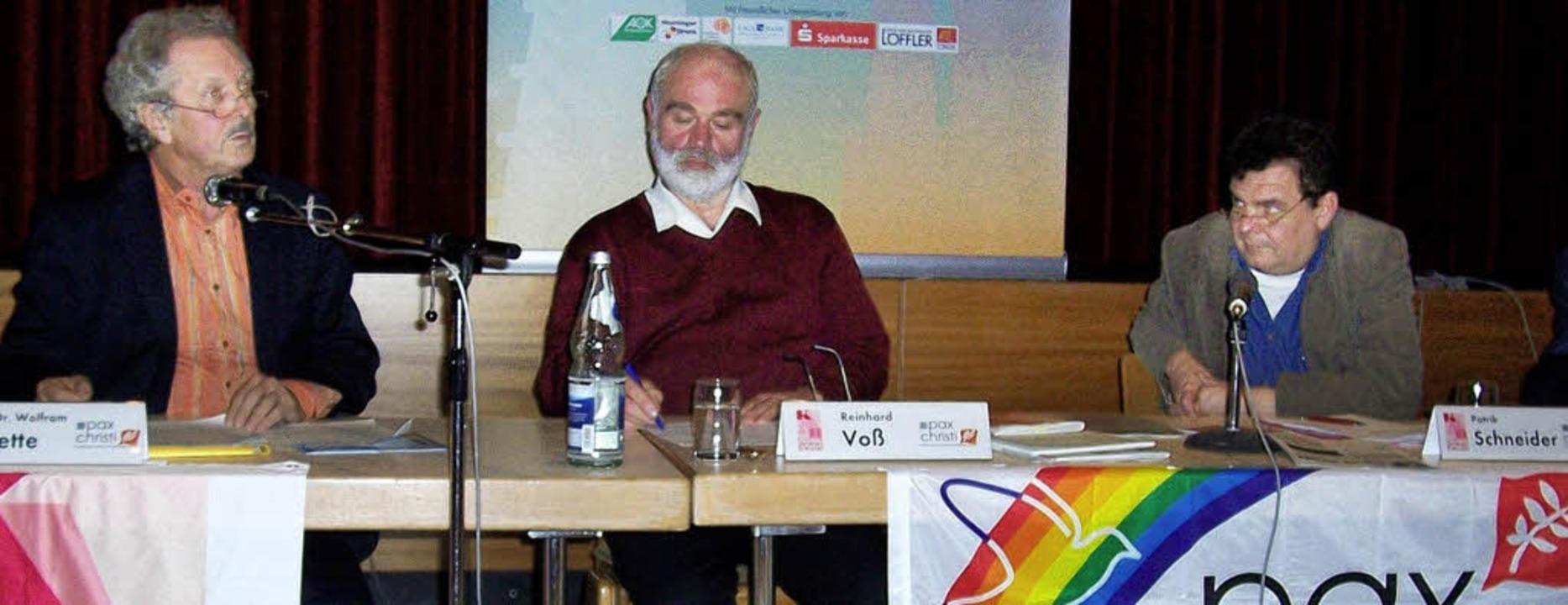 Gegen  Waffenexporte: Wolfram Wette,  ... der Veranstaltung in Bad Krozingen     | Foto: privat