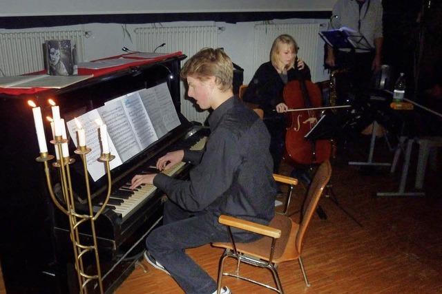 Mit Klavier und viel Kreativität