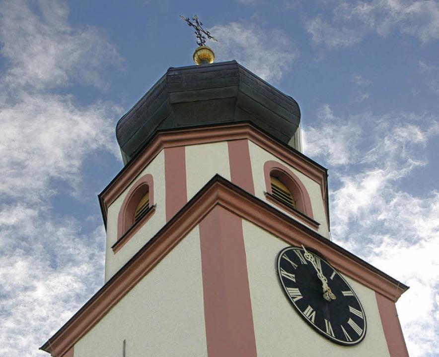 Der Kirchturm von Heilig Kreuz  | Foto: Tanja Bury