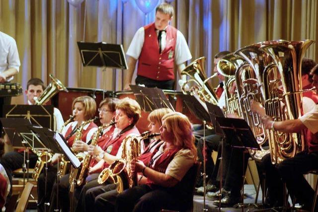 Musikverein Oberwihl brachte die Beine zum