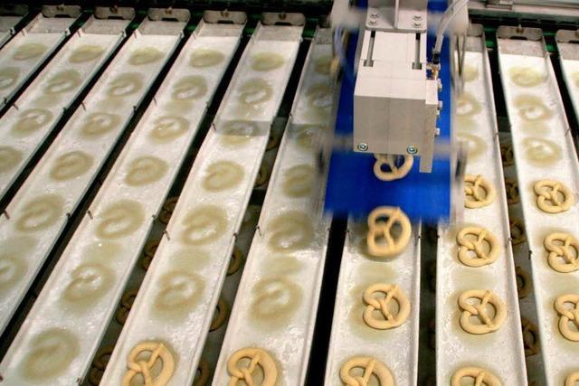 Weltneuheit: Maschine produziert 19.000 Brezeln in der Stunde