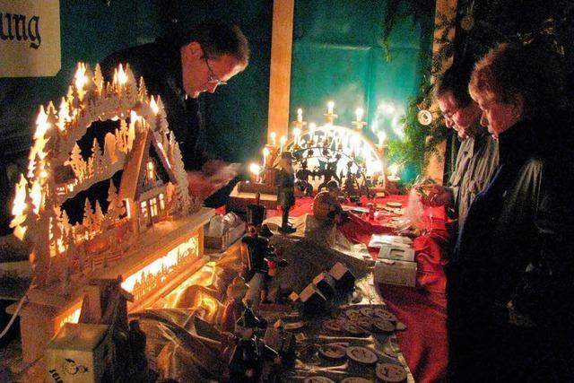 Mit Schwibbögen und Kerzenlicht