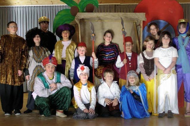 Ein Weihnachtsmärchen mit Tänzen