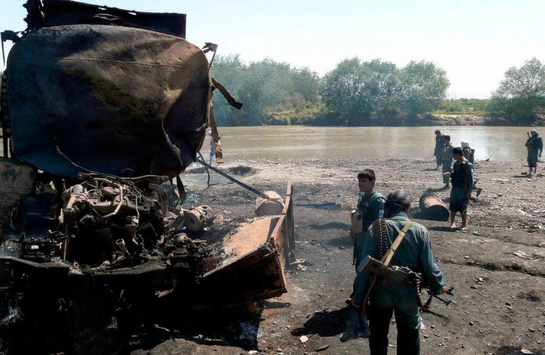 Der von der Bundeswehr befohlene Luftangriff forderte auch zivile Opfer.  | Foto: ddp