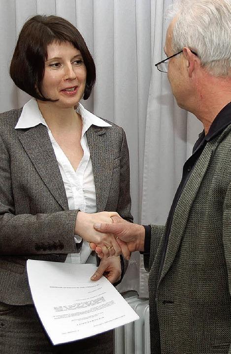 Kathrin  Schönberger  bei der  Vereidi...erstellvertreter  Bernhard Pfrengle       Foto: Markus Donner