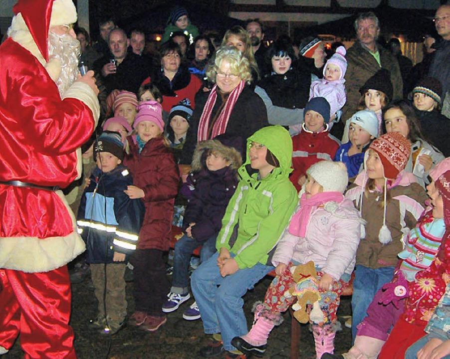 Der Nikolaus in Aktion     Foto: Birlin