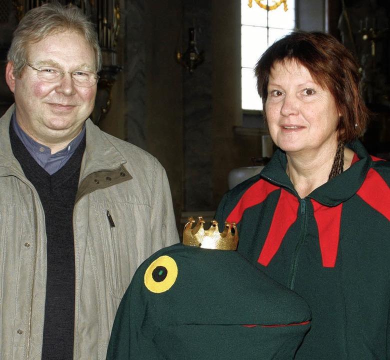 Froschkönigin Hanni Abel und Pfarrer M...dienst seit vielen Jahren in Wehr vor.  | Foto: jörn kerckhoff