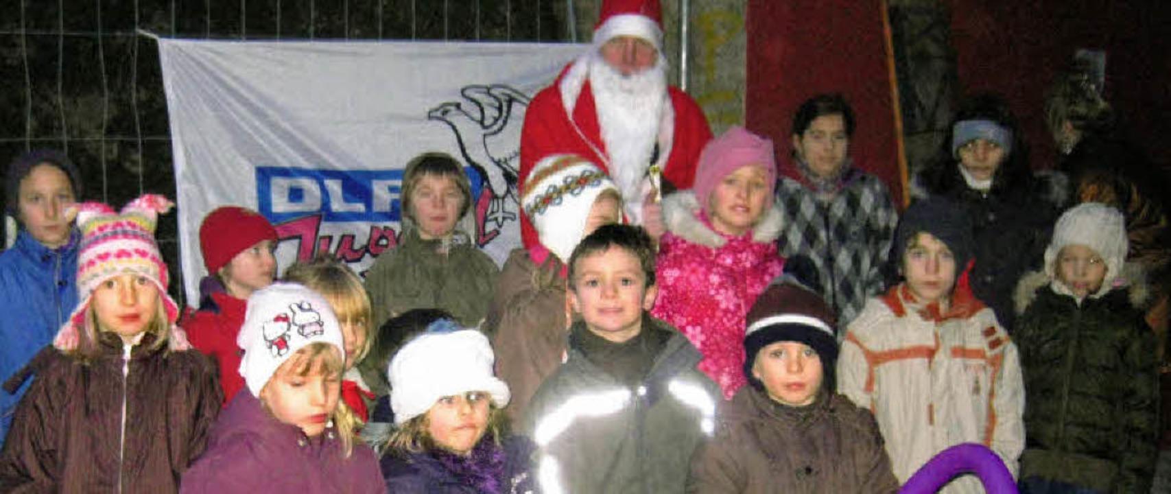Besuch vom Nikolaus erhielt  die DLRG-Jugend.  | Foto: privat