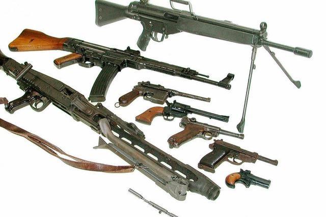 Südbaden: Zoll hebt Waffenschmuggler aus